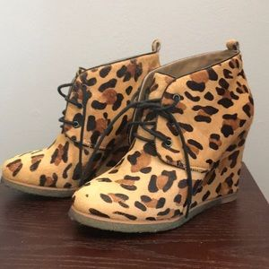 Shoemint Jolly cheetah ponyhair wedges